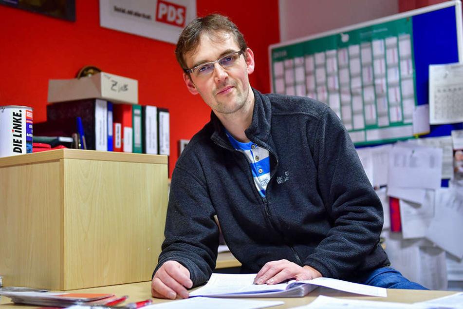 "Linken-Chef Tim Detzner (38) möchte über den Namen ""Mohren Apotheke"" diskutieren."