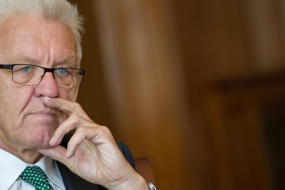 Ihm ist Innenminister Strobl dankbar: Ministerpräsident Winfried Kretschmann (Grüne)