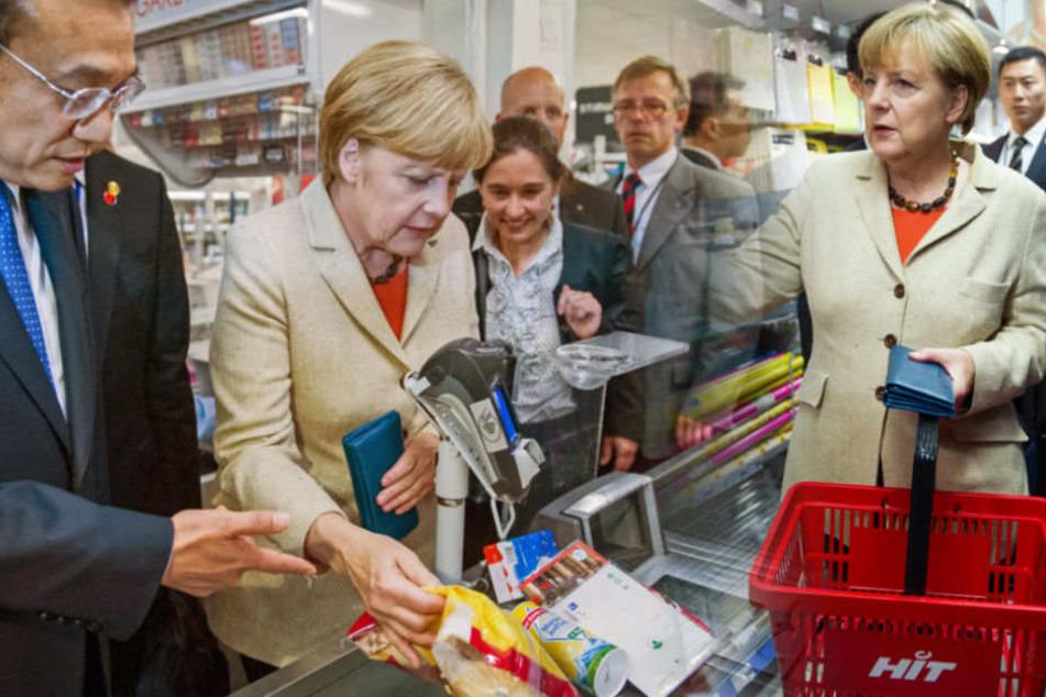 Angela Merkel und der chinesische Ministerpräsident Li Keqiang vor vier Jahren in der Mohrenstraße. (Archivbild)