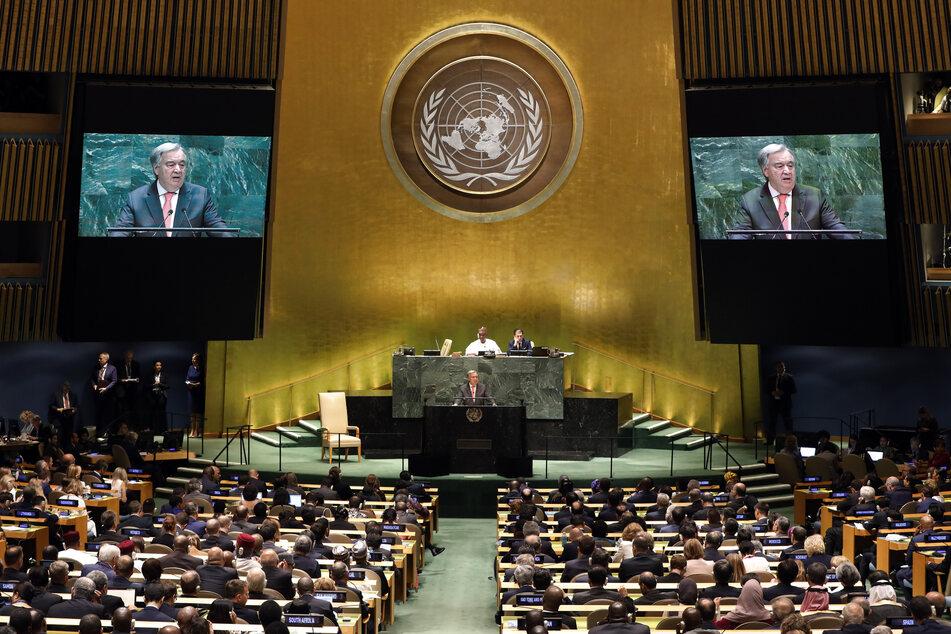 New York: Antonio Guterres, Generalsekretär der Vereinten Nationen, spricht auf der 74. Sitzung der Generalversammlung der Vereinten Nationen im Plenum. Vor dem Beginn der Generaldebatte am Dienstag werden die Vereinten Nationen ihr 75-jähriges Bestehen mit einer hochrangig besetzten Veranstaltung feiern.