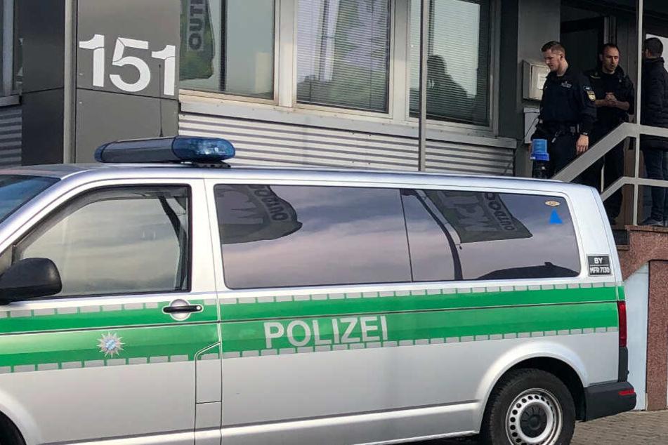 Die Polizei ermittelt in der Sozialpension in der Sigmundstraße nach einer Prügelei.