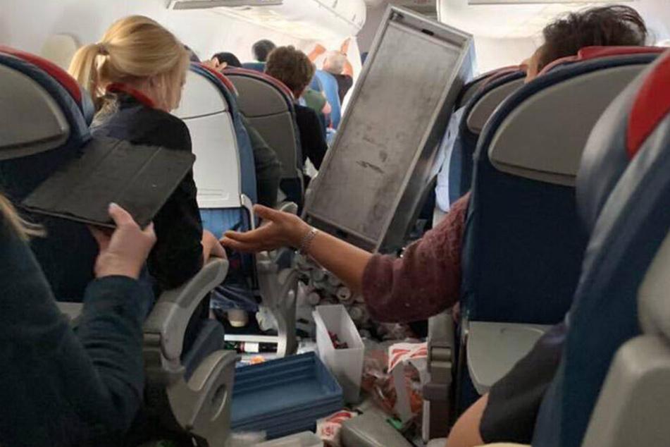 Zahlreiche Bilder wurden von den Passagieren auf Twitter verbreitet.