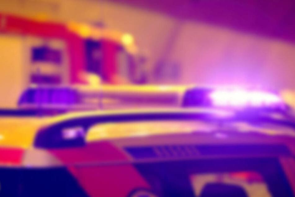 Ein Senior mit Herzschrittmacher wurde bei dem Unfall schwer verletzt (Symbolbild).