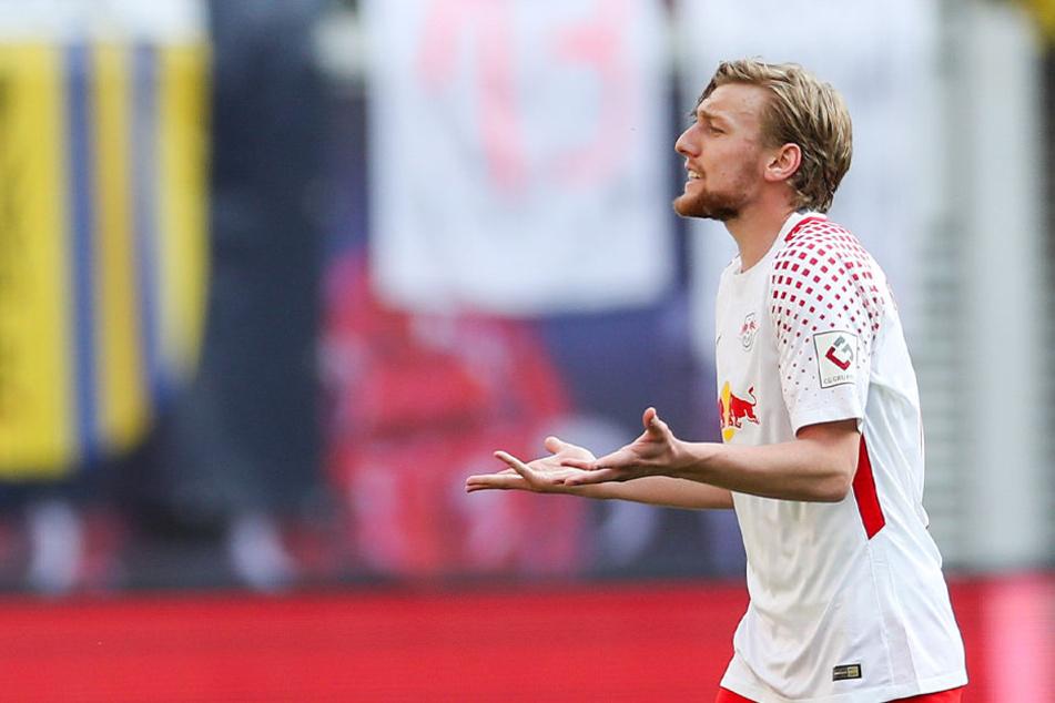 Für den grübelnden Forsberg verhängte Sportdirektor Ralf Rangnick ein Wechselverbot.