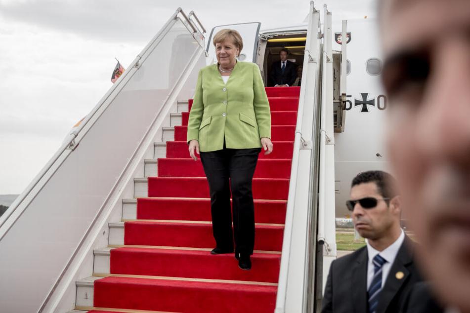 """Auch Kanzlerin Angela Merkel musste bereits auf Ersatzflugzeuge ausweichen, weil die """"Konrad Adenauer"""" nicht einsatzfähig war."""