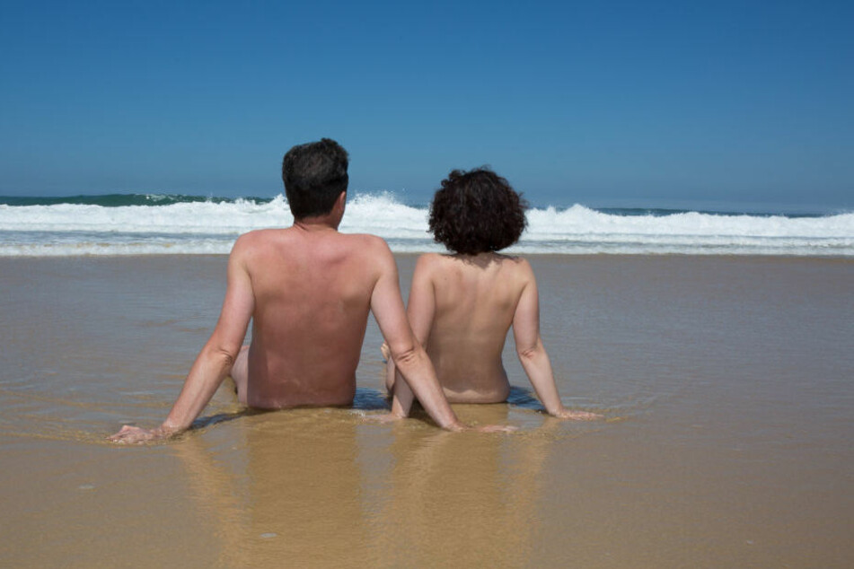 Immer mehr Urlauber suchen nach Orten ohne Bekleidungsregeln. (Symbolbild)