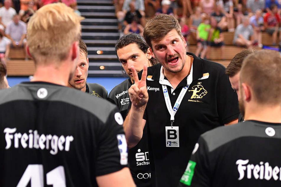 HCE-Trainer Rico Göde freute sich über die gewonnene 2. Halbzeit...