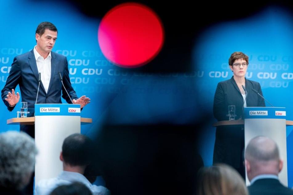 Mike Mohring und Annegret Kramp-Karrenbauer auf der Pressekonferenz nach der Thüringen-Wahl.