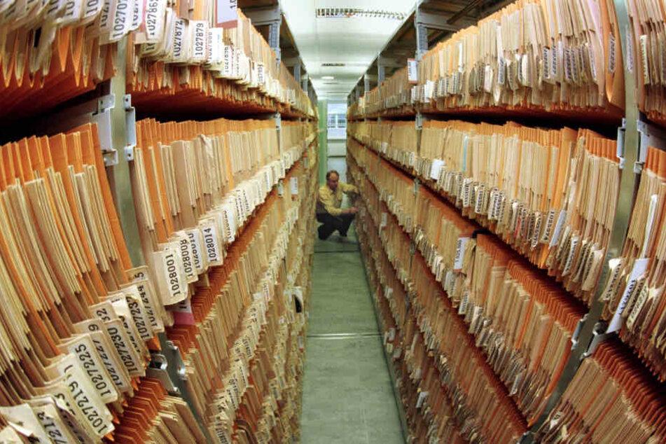 Im Bundesarchiv können Informationen zu Funktion und Einsatzgebieten von Vorfahren im Zweiten Weltkrieg beantragt werden.