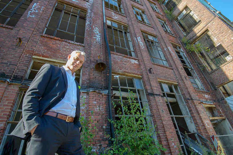Investor Eckhard Striegele (51) freut sich auf den Ausbau des Pölzig-Areals.  Er ist einer der interessierten Investoren, die scharf auf Chemnitzer Ruinen  sind.