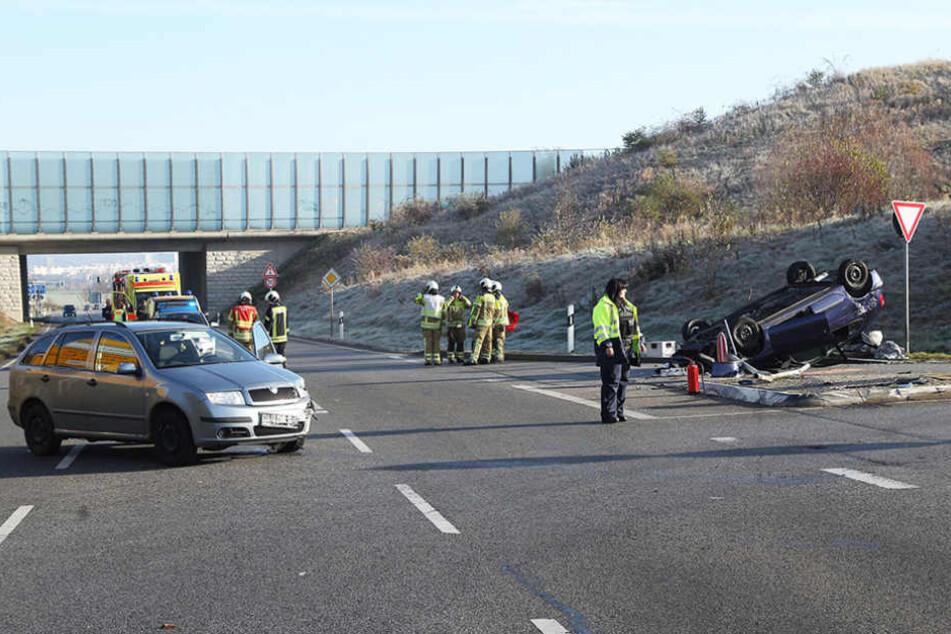 An der Autobahnausfahrt Dresden-Prohlis hat es am Sonntagmorgen gekracht.