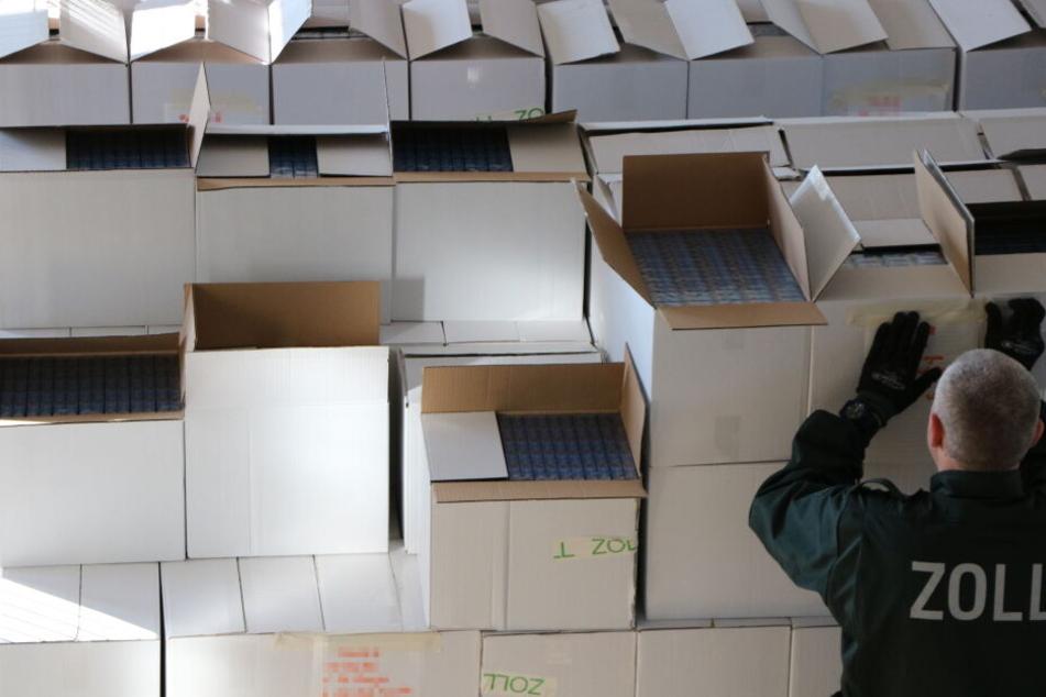 Zoll findet mehr als 10 Millionen unversteuerte Zigaretten in einem Laster