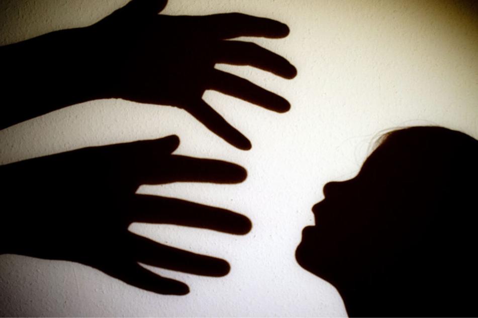 Schrecklich! Wurde das Mädchen (11) von Vater und Onkel missbraucht?