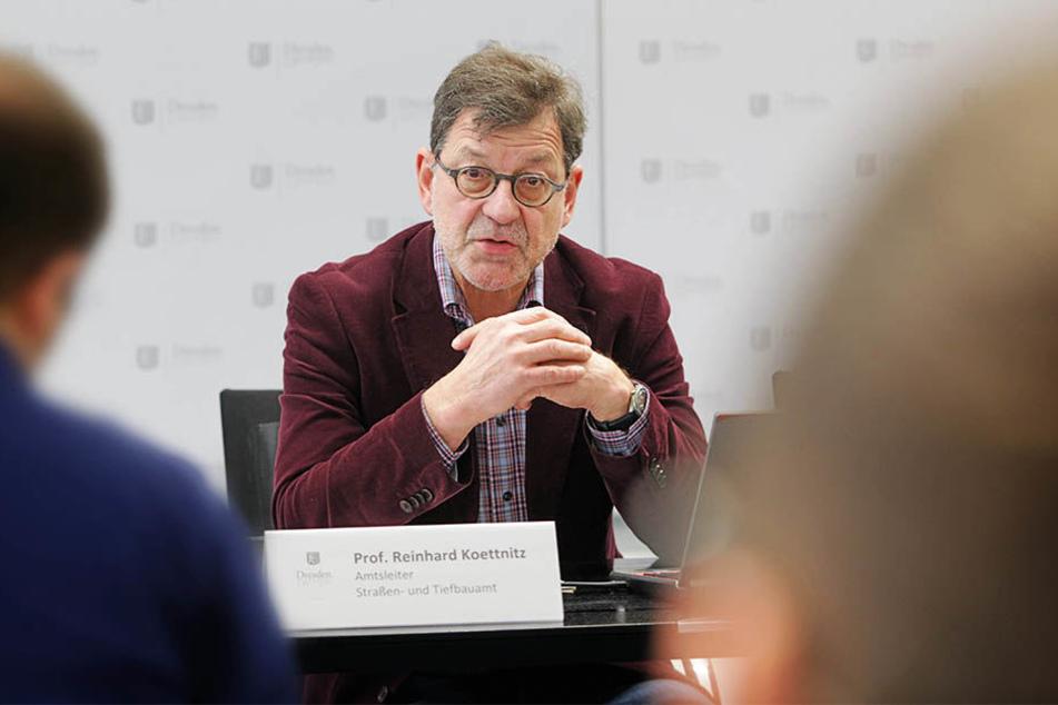 Der Leiter des Straßen- und Tiefbauamtes, Reinhard Koettnitz (62).