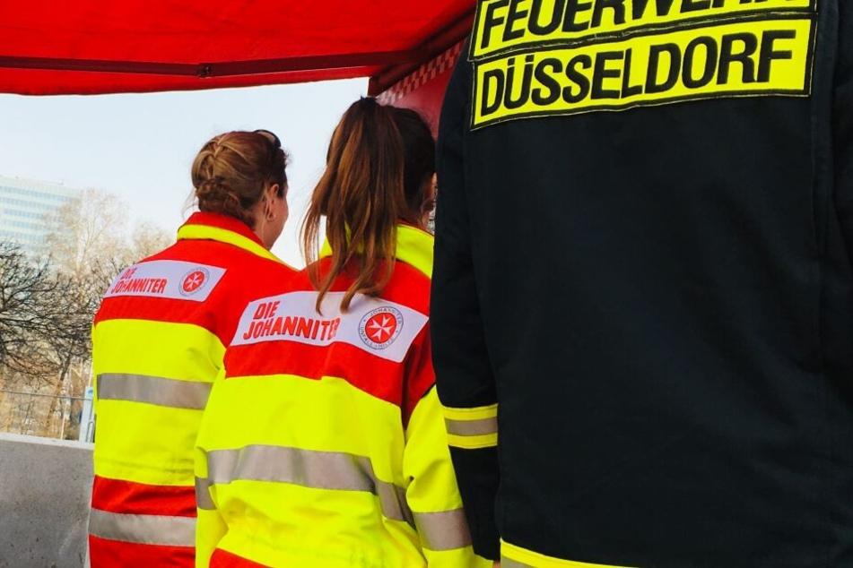 Die Feuerwehr Düsseldorf und Sanitäter der Johanniter.