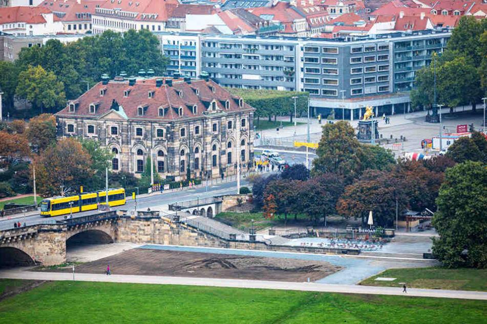 Ein erster Plan ist die Rekonstruktion des Narrenhäusels an der Augustusbrücke.