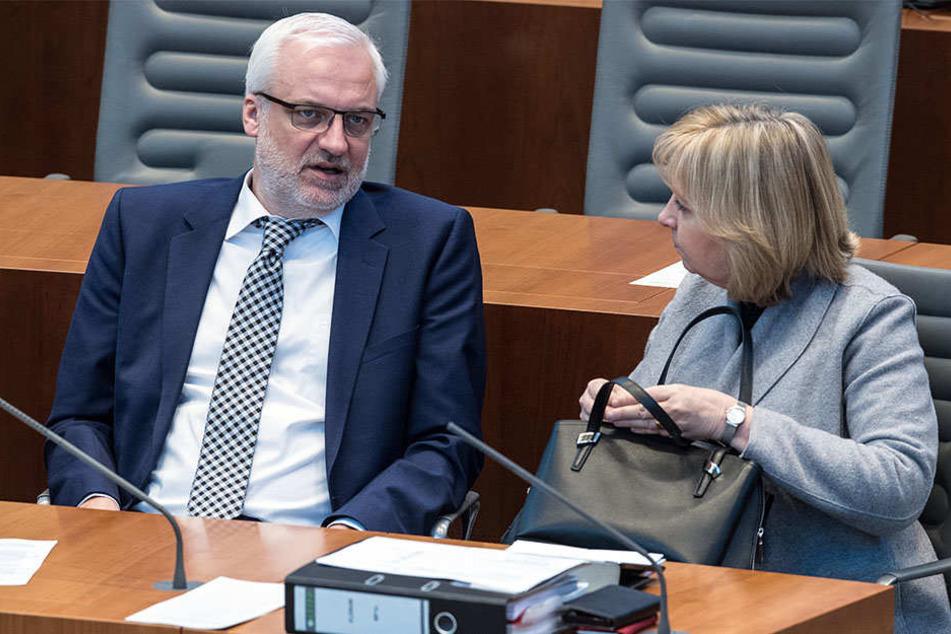 Garrelt Duin (SPD) und Hannelore Kraft (SPD) glauben an den Wirtschaftserfolg während ihrer Regierungszeit.