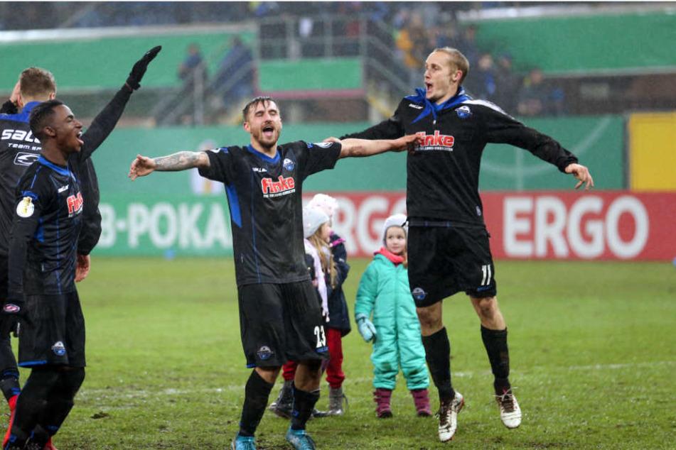 Darüber dürfte sich der SC Paderborn wirklich freuen! Gegen die Bayern ist die Benteler-Arena ausverkauft.