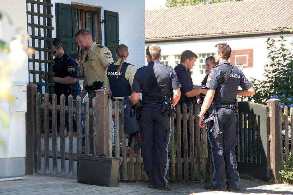 Die Polizei versucht im Augenblick, den genauen Tathergang weiter zu ermitteln.