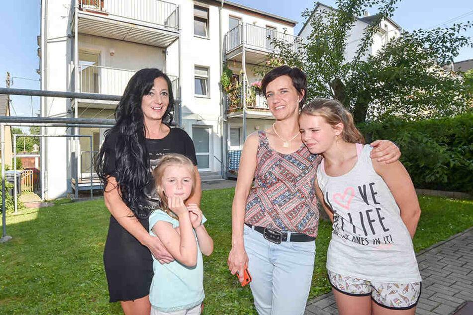Daniela Lang (36) und Tochter Colleen (11, l.) retteten Susi (38) und Jessi Kunze (6).