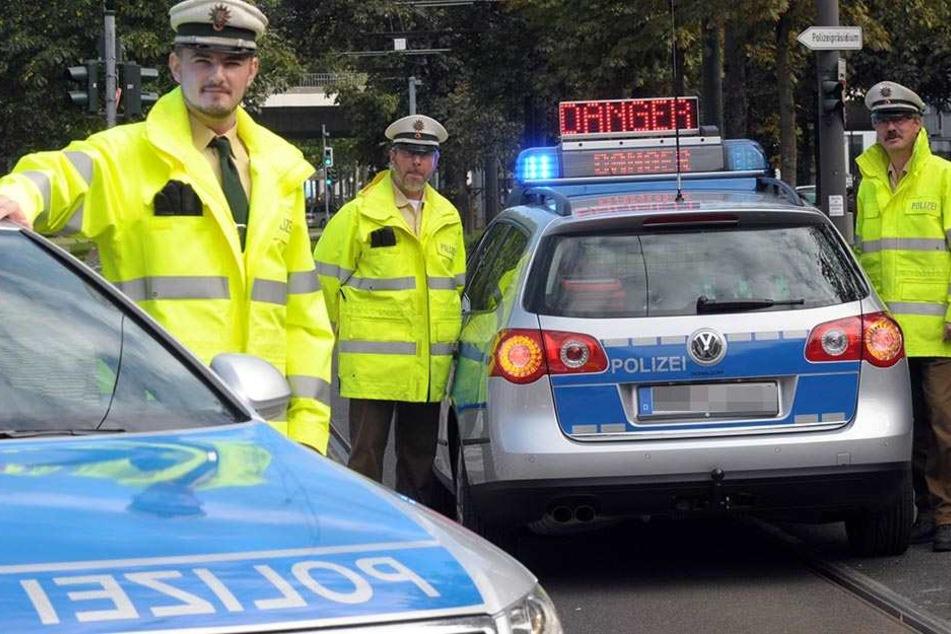 Glücklicherweise ist der betrunkene Autofahrer der Polizei aufgefallen, bevor er Schaden anrichten konnte. (Symbolbild)