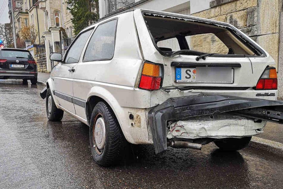 Dieses Auto wurde unter anderem von dem 77-jährigen BMW-Fahrer beschädigt.
