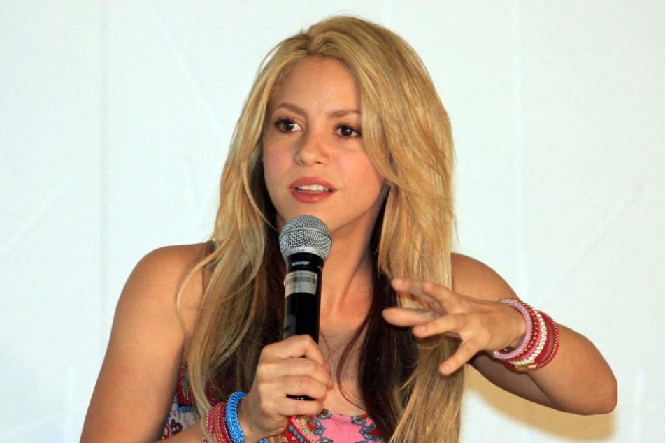 Shakira muss ihre geplante Tournee  verschieben.