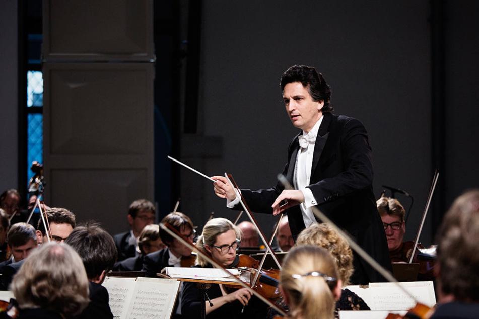 Michael Sanderling (49) und das Orchester der Dresdner Philharmonie. Diese Paarung wird bald Geschichte sein.