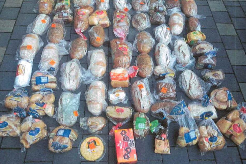 Neben Brot und Brötchen verfüttert die Seniorin sogar Stullen und Schokoladen-Lebkuchen.