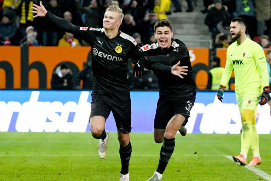 Debütantenball: Erling Haaland (l.) jubelt mit Giovanni Reyna. Sie beide gaben ihr Pflichtspieldebüt für die BVB-Profis.