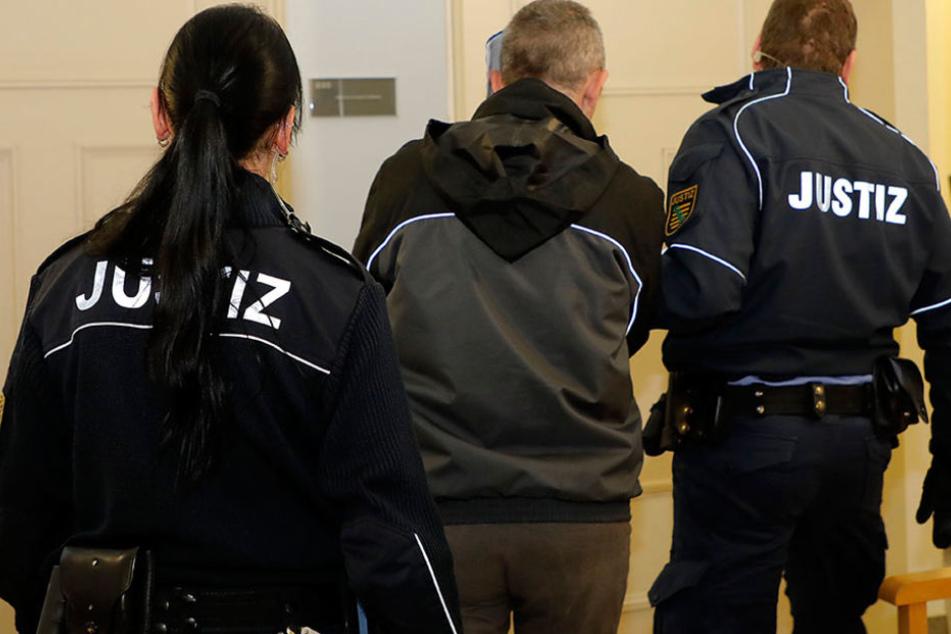 Chemnitz: Mann (46) missbraucht Kinder seiner Bekannten und filmt die Tat