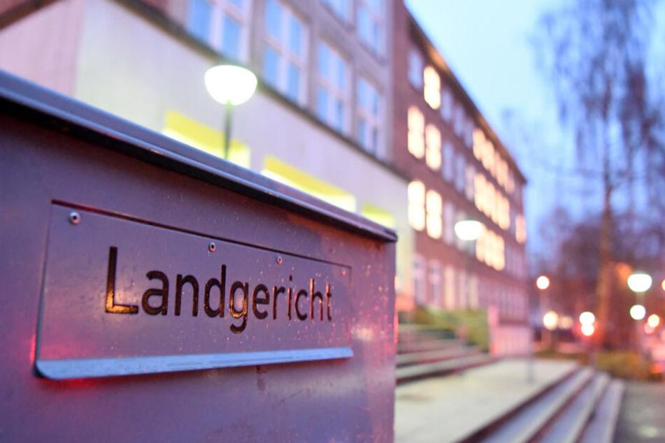 Das Verfahren vor dem Landgericht Kiel um Schüsse auf der Autobahn 215 wurde fortgesetzt.