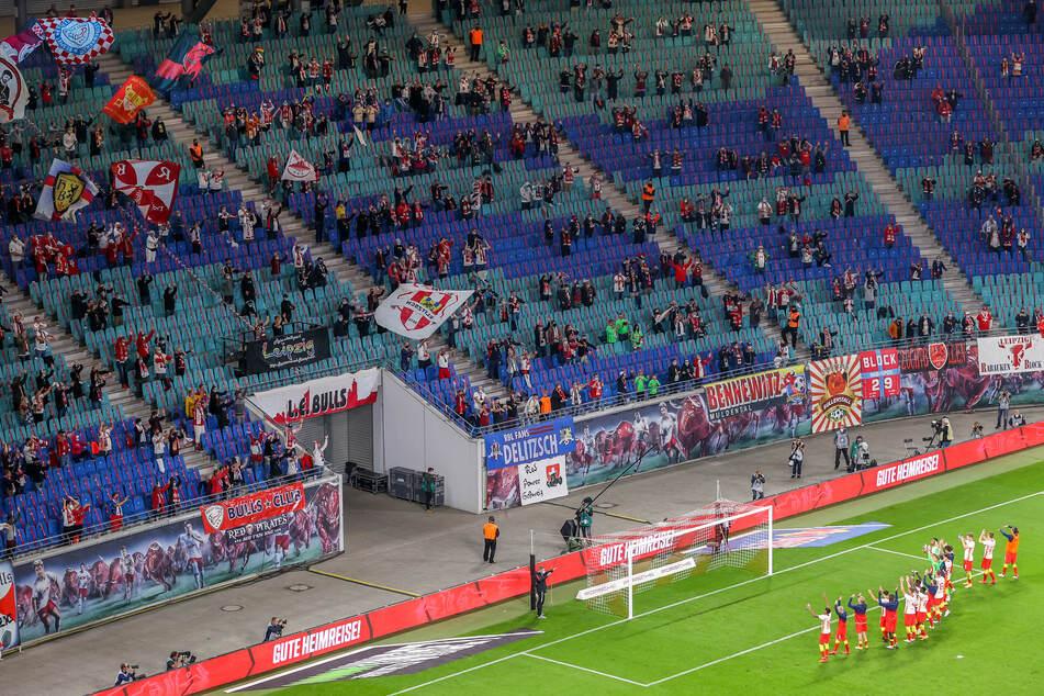 Beim Heimsieg gegen den FC Schalke 04 waren noch 8500 Fans im Stadion.