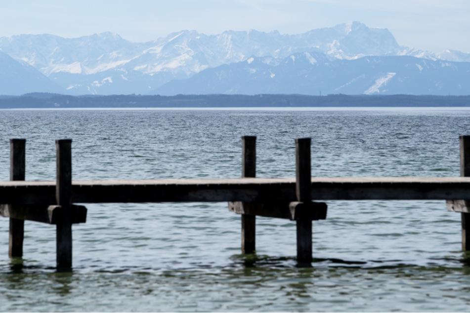 Mann will Hund aus Starnberger See retten und ertrinkt dabei beinahe selbst