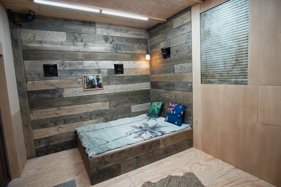 In dem Tiny House gibt es nur ein kleines Doppelbett.