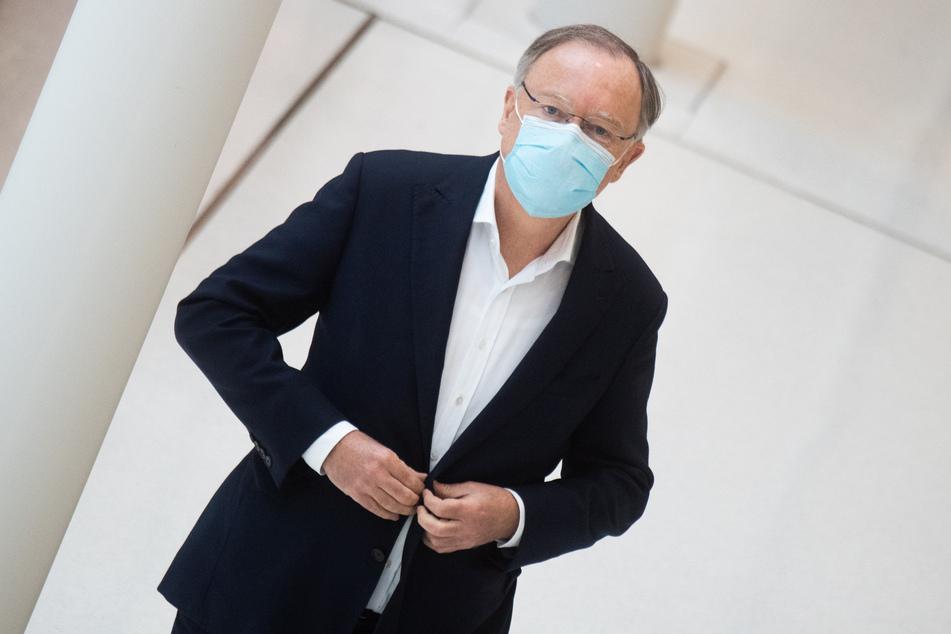 Niedersachsens Ministerpräsident Stephan Weil (62, SPD) kann sich den Einsatz von Spürhunden für die Bekämpfung des Coronavirus vorstellen.