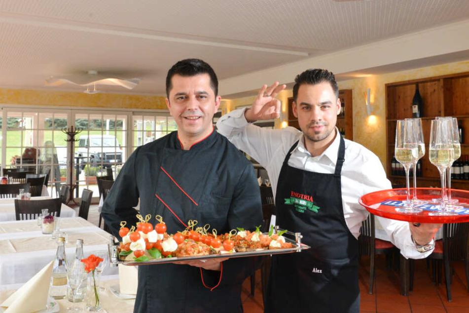 Miri Myslimaj (40, l.) und sein Restaurantleiter Alessandro Horrion (30) bitten jetzt auch im Lucknerpark zu Tisch.