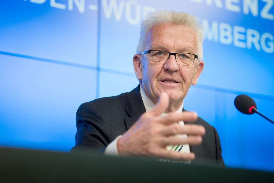 Ministerpräsident Winfried Kretschmann hält den Einsatz der Polizei für richtig.