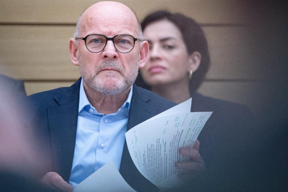 Die Opposition sieht die Schuld bei Winfried Hermann.
