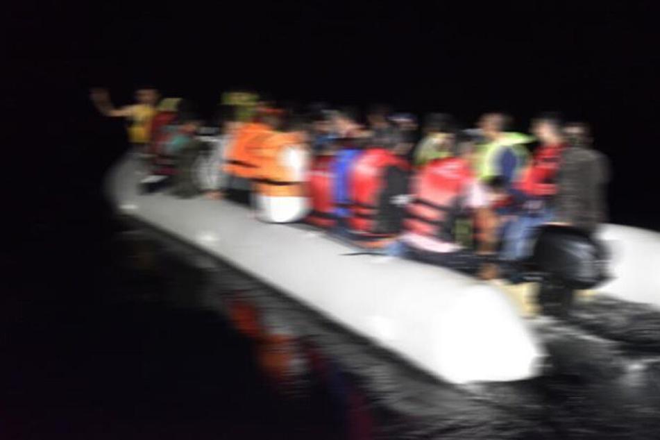 Die 120 Personen verunglückten mit einem Schlauchboot.