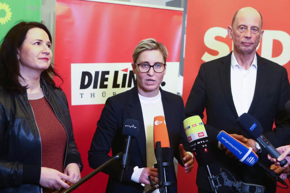 (V.li.) Anja Siegesmund (Grüne), Susanne Hennig-Wellsow (Linke) und Wolfgang Tiefensee (SPD) haben sich auf eine Minderheitsregierung geeinigt.