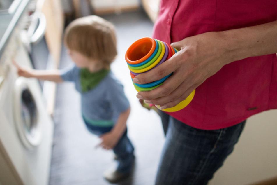 Das Armutsrisiko von Familien erhöht sich mit jedem weiteren Kind. (Symbolbild)