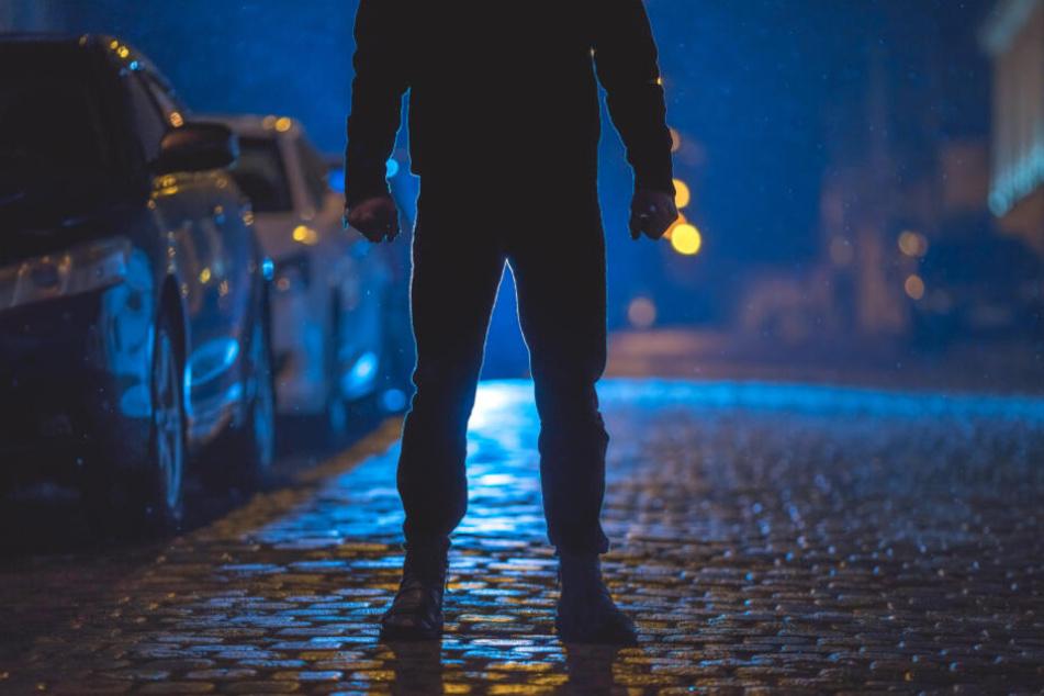 In der Nebenstraße warteten die drei Männer bereits auf ihr Opfer. (Symbolbild)