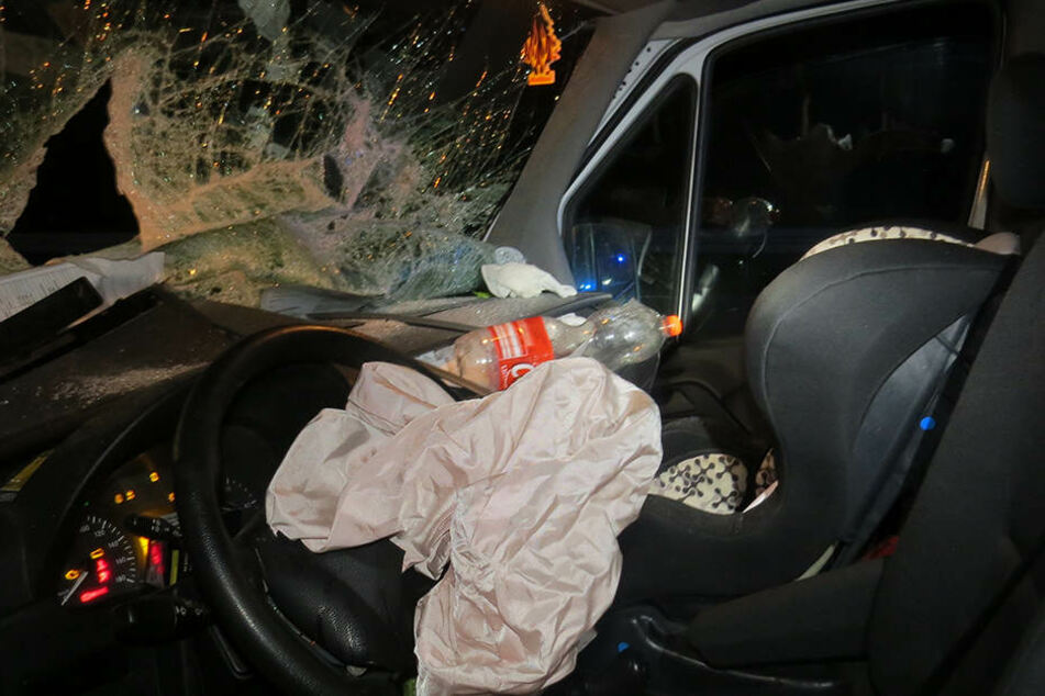 Sein Auto wurde bei dem Auffahrunfall völlig zerstört.