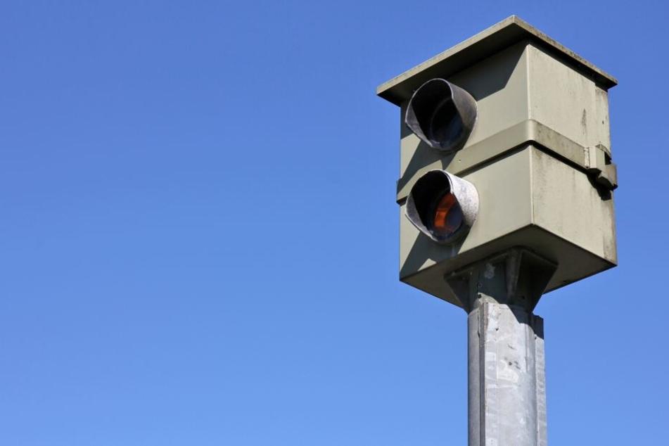 Raser aufgepasst! Die Brandenburger Polizei will ein Zeichen gegen Verkehrssünder setzen. (Symbolbild)