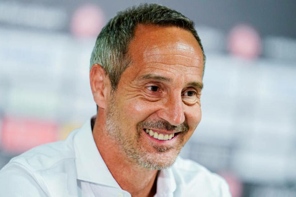 Eintracht-Trainer Adi Hütter hat nach dem gelungenen Trainingslager gute Laune.