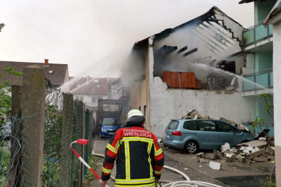 Mann bei Explosion schwer verletzt! Warum flog dieses Haus in die Luft?