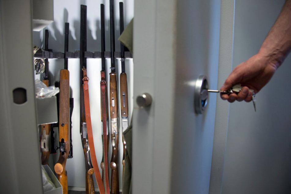 Einen Großteil der Waffenbesitzer im Landkreis machen die Jäger aus. (Symbolbild)