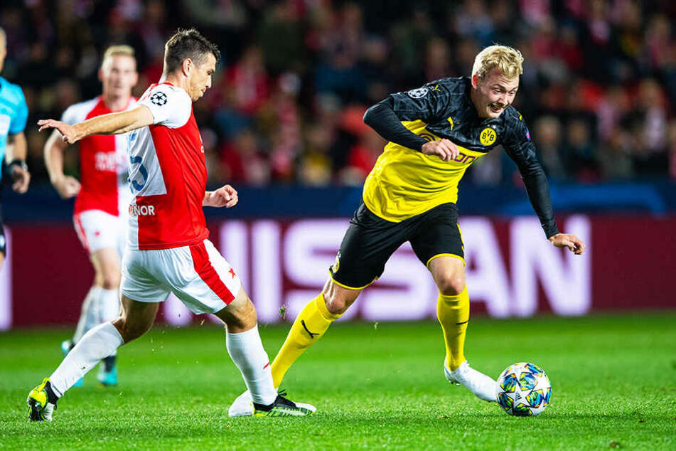 Julian Brandt (r.) war auf BVB-Seiten sehr auffällig und bereitete beide Treffer klasse vor.