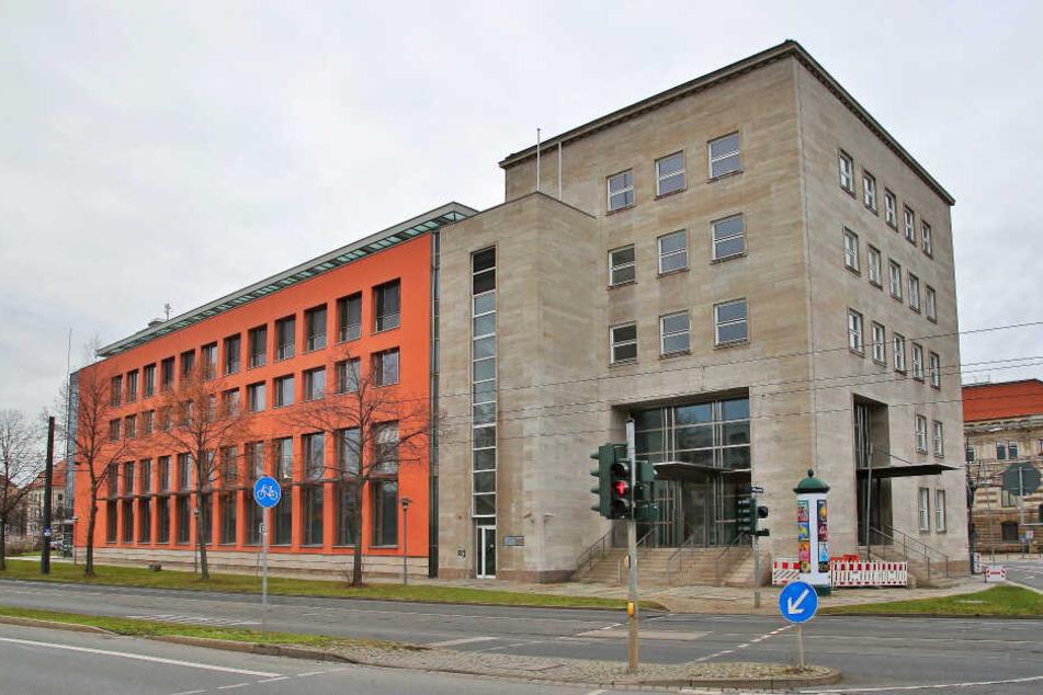 Der künftige Ministersitz: die ehemalige Bundesbankfiliale im Zentrum von Dresden.